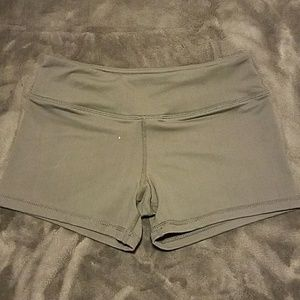Thick material with stretch workout shorts